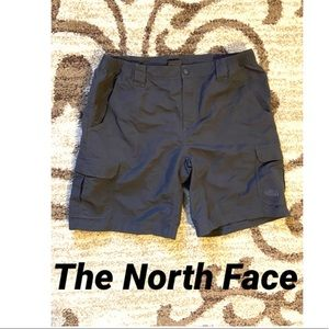 The North Face Shorts SZ Large